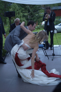 bride fell down